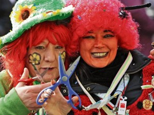 carnaval-allemand-Cologne-Attention-à-votre-cravate-ddp-300x224