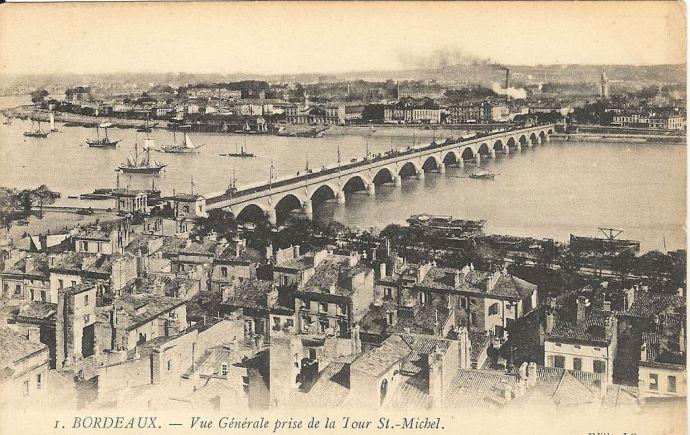 PONTBordeaux_Vue_du_Pont_de_Pierre_depuis_la_flèche_Saint_Michel