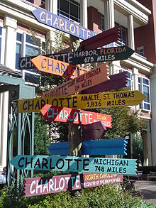 Charlotte,_North_Carolina,_pointing_to_other_Charlottes