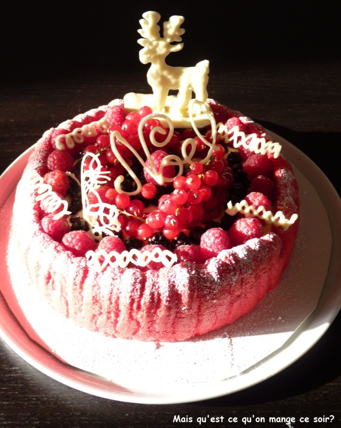 NOELcharlotte-aux-fruits-rouges