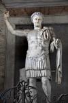 EUSEBIE280px-ConstantiusIIStatue